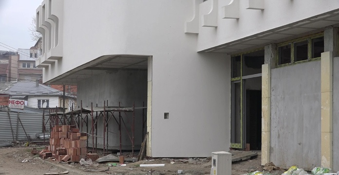 Teatri Shqiptar nuk komenton marrëveshjen pa tender