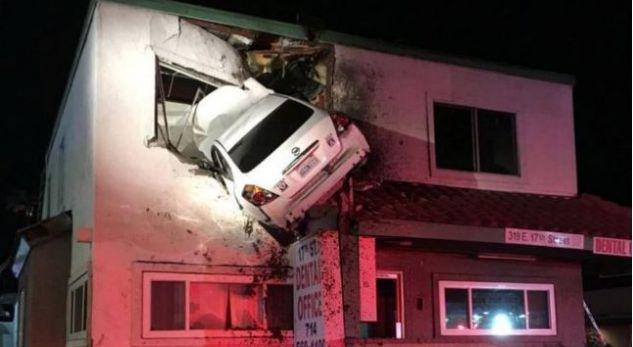 Automjeti 'fluturon' në katin e dytë