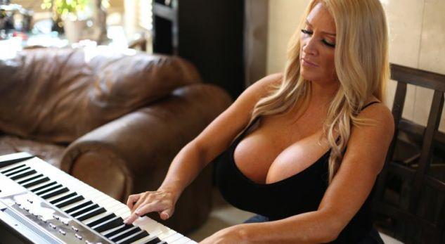 Mësuesja e pianos