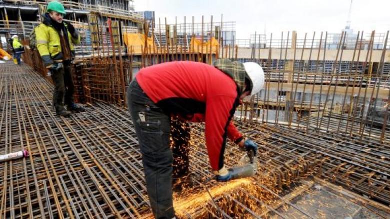 Shqiptarët në Europë ,punojnë shumë por paguhen pak
