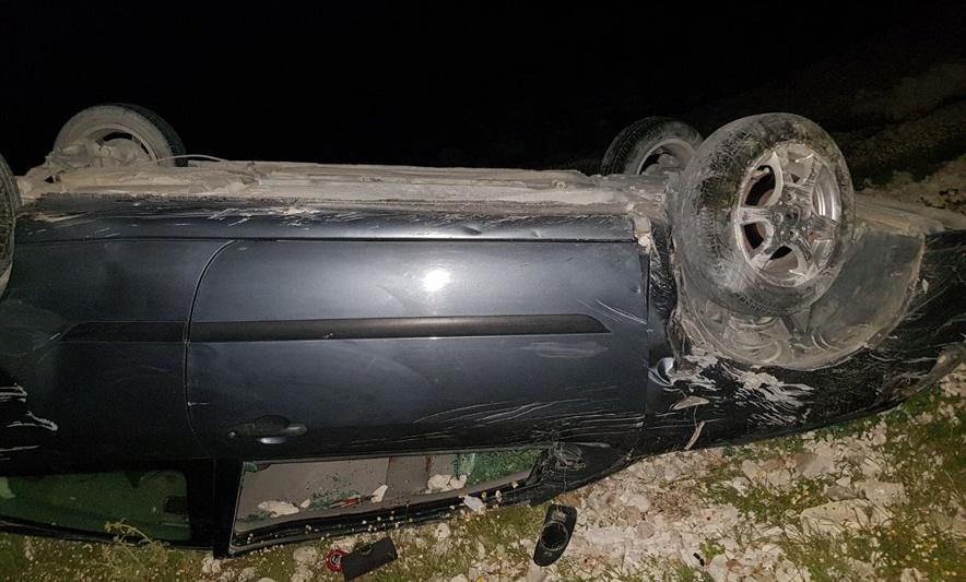 Përmbyset makina në malin Llogara, shoferi shpëton për mrekulli