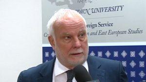 A duhet shqiptarët të mbështesin emrin e ri të Maqedonisë?