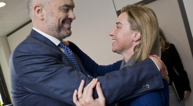 Mogherini kërkon hapje të negociatave për Shqipërinë
