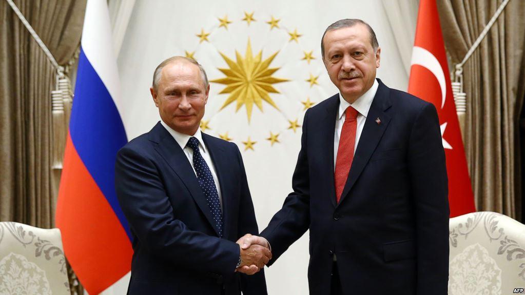 Putin-Erdogan marrëveshje për Sirinë, tërhiqen armatimet e rënda