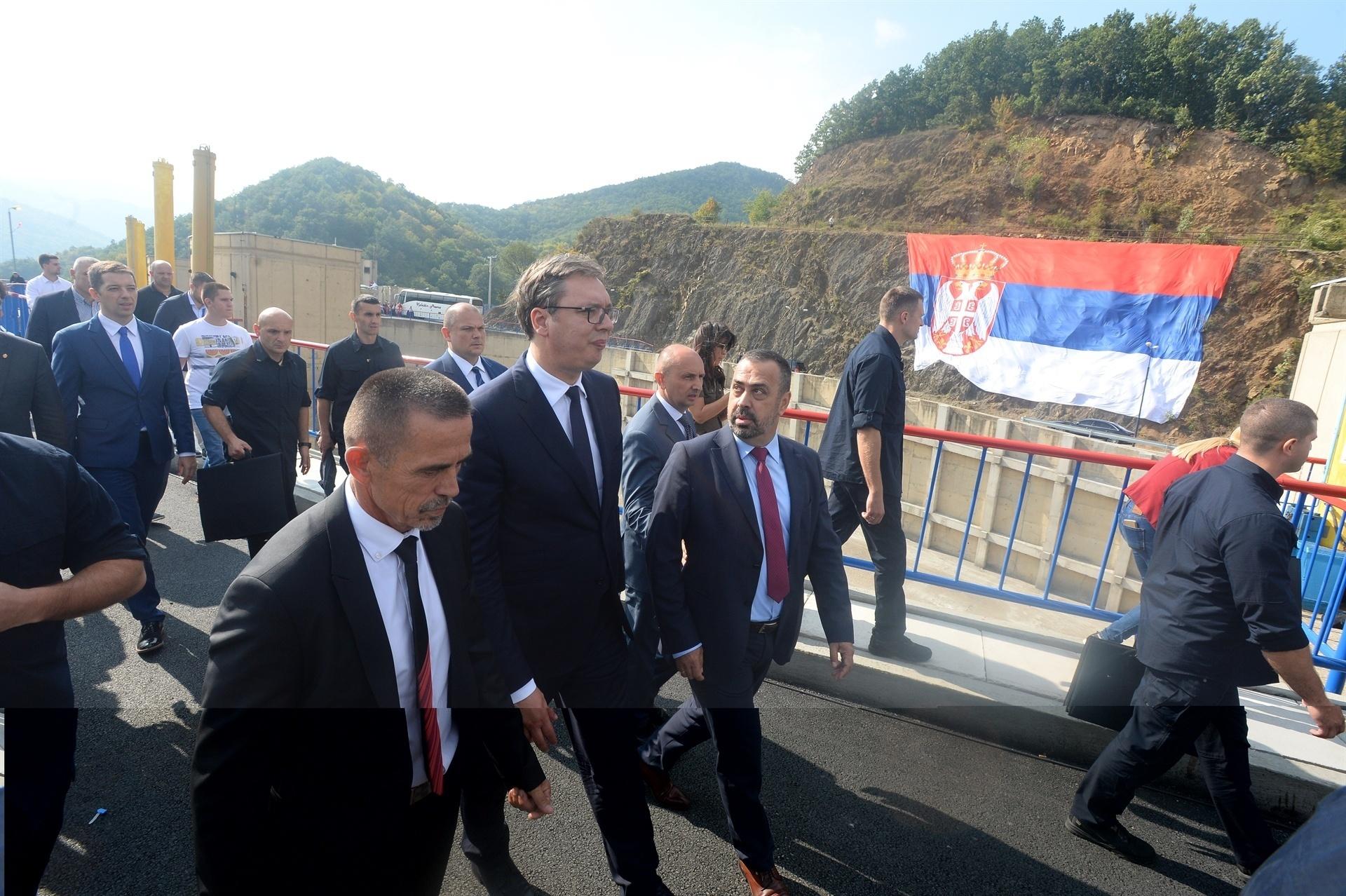 Vucic në Kosovë:Shqiptarëve ju sjellim mesazhe paqe