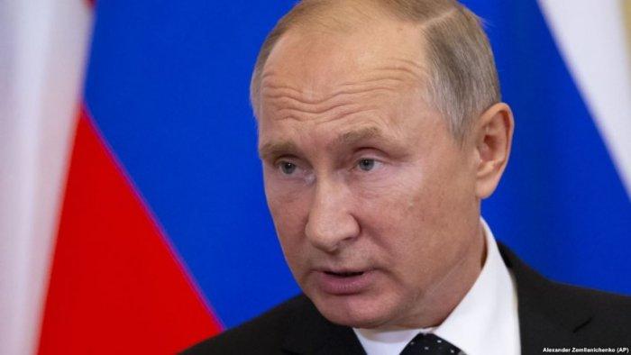 Bie mbështetja e rusëve për Putinin