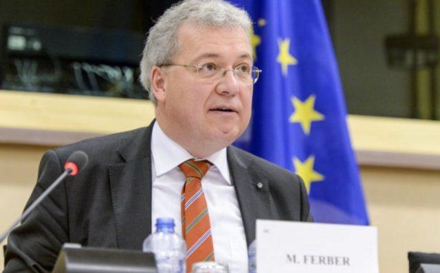 Eurodeputeti gjerman për politikanët shqiptarë: Korrupsioni nuk luftohet nga të korruptuarit