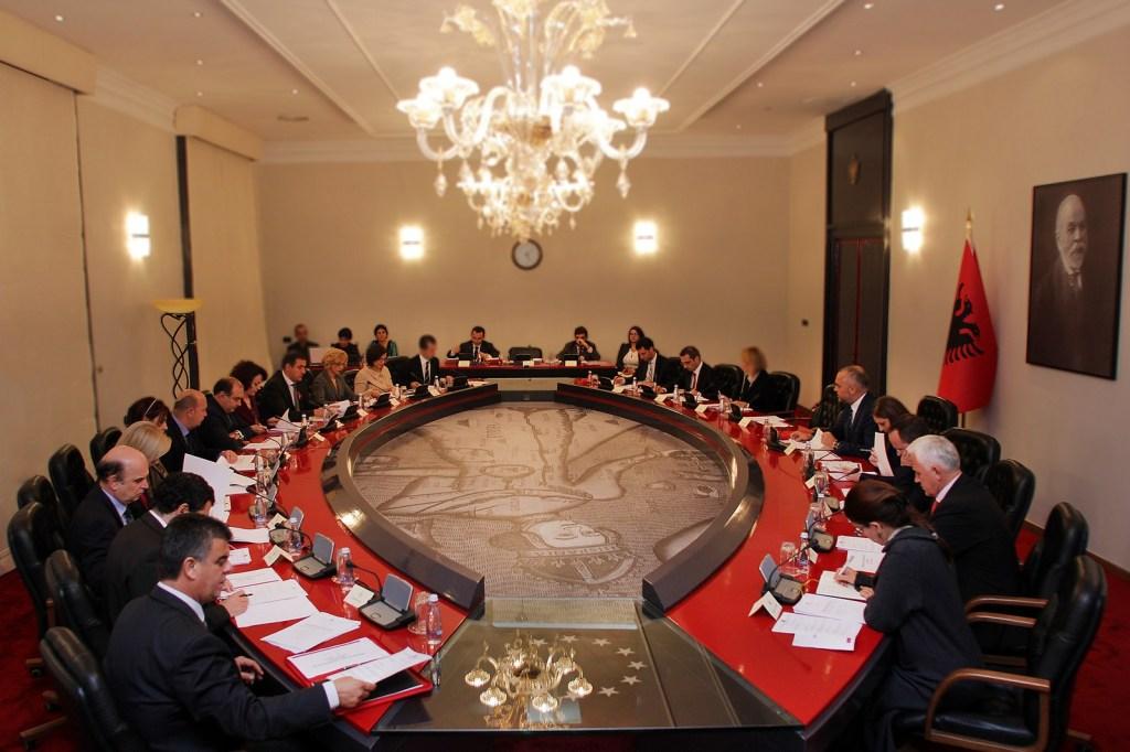 Ndryshime rrënjësore në qeverinë Rama: Ja ministrat që ikin dhe emrat që vijnë