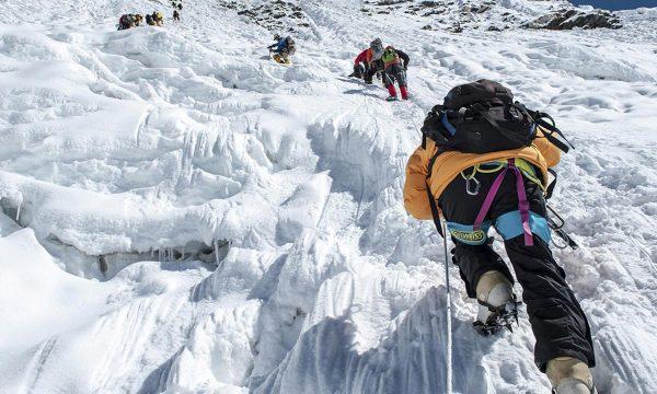 18 alpinist të vdekur në kët vit në malet e Nepalit