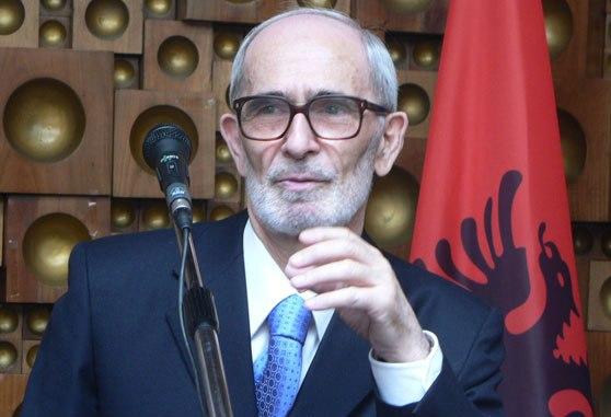 """Rexhep Qosja: Gazeta""""Express"""" dhe """"T7"""", propogandojnë kundër Shqipërisë më zi se Nikolla Pashiqi, Rankoviqi dhe Millosheviqi"""