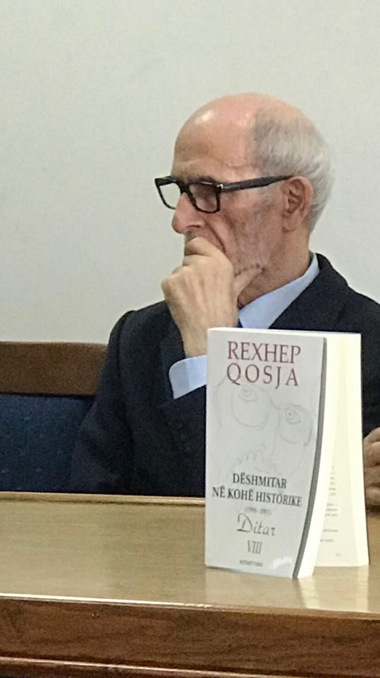 """Rexhep Qosja promovon vëllimin e tetë të ditarit """"Dëshmitar në kohë historike"""""""