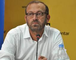 Politikanët e Kosovës hanë e pinë me Vuçiç, Rama qenka tradhtari!