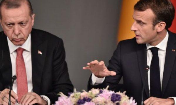 Macron sulmon Turqinë : Ata bashkëpunojnë me ndërmjetës të ISIS'it