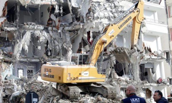 Javën tjetër priten arrestime të ndërtimtarëve në Durrës