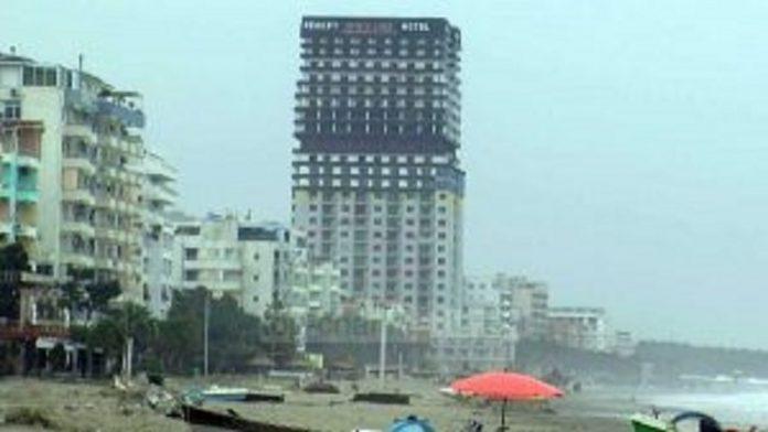 Ndërtimet pa leje në Durrës, arrestohen 17 policë dhe punonjës bashkie