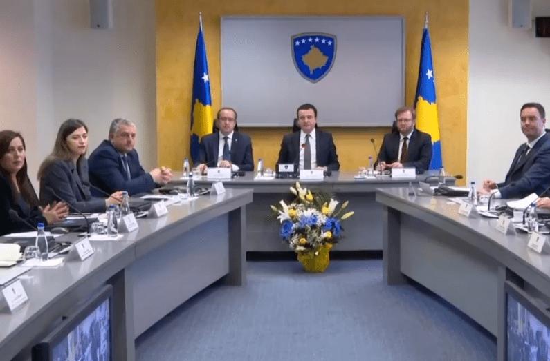 Parlamenti rrëzon pas vetëm 50 ditësh në detyrë qeverinë e Albin Kurtit