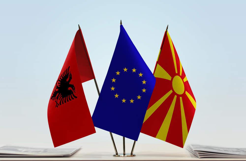 """Ministrat e BE-së i thonë """"Po"""" çeljes së negociatave për Maqedonin e Veriut dhe Shqipërin"""