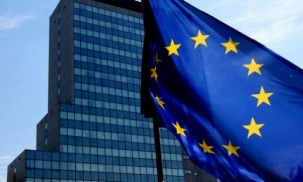 BE reagon pas rrëzimit të Kurtit: Kosova në gjendje të vështirë politike