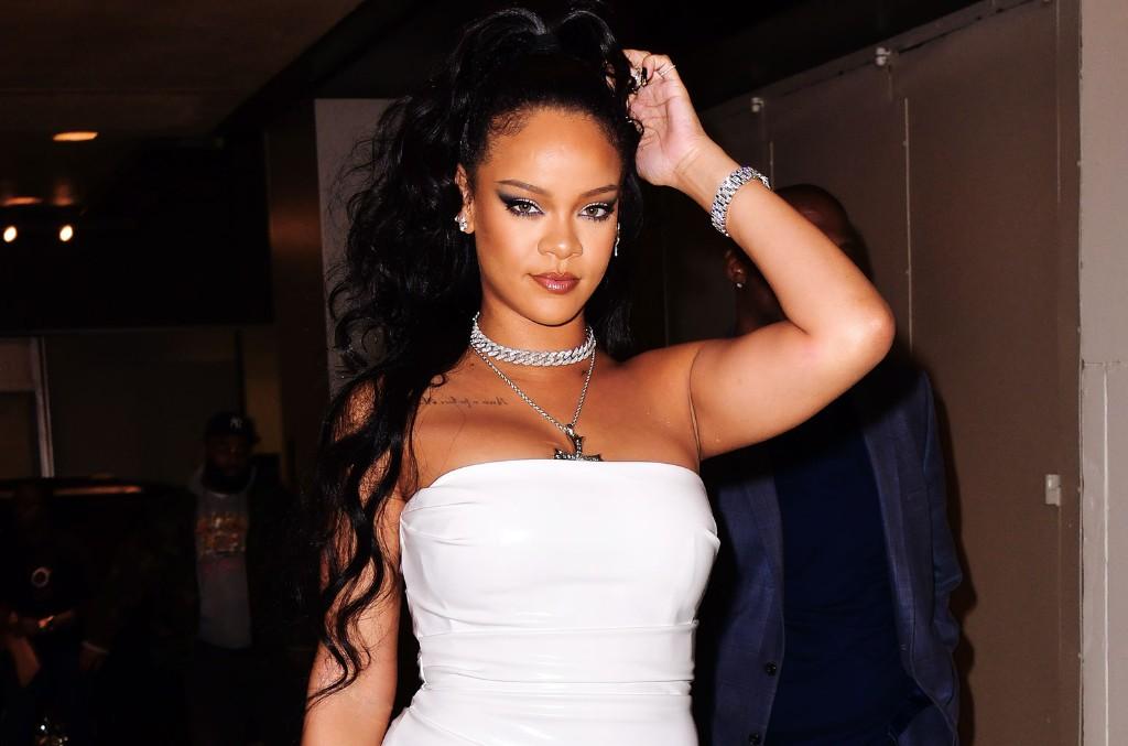Rihanna dhuron pesë milionë dollarë për të luftuar koronavirusin