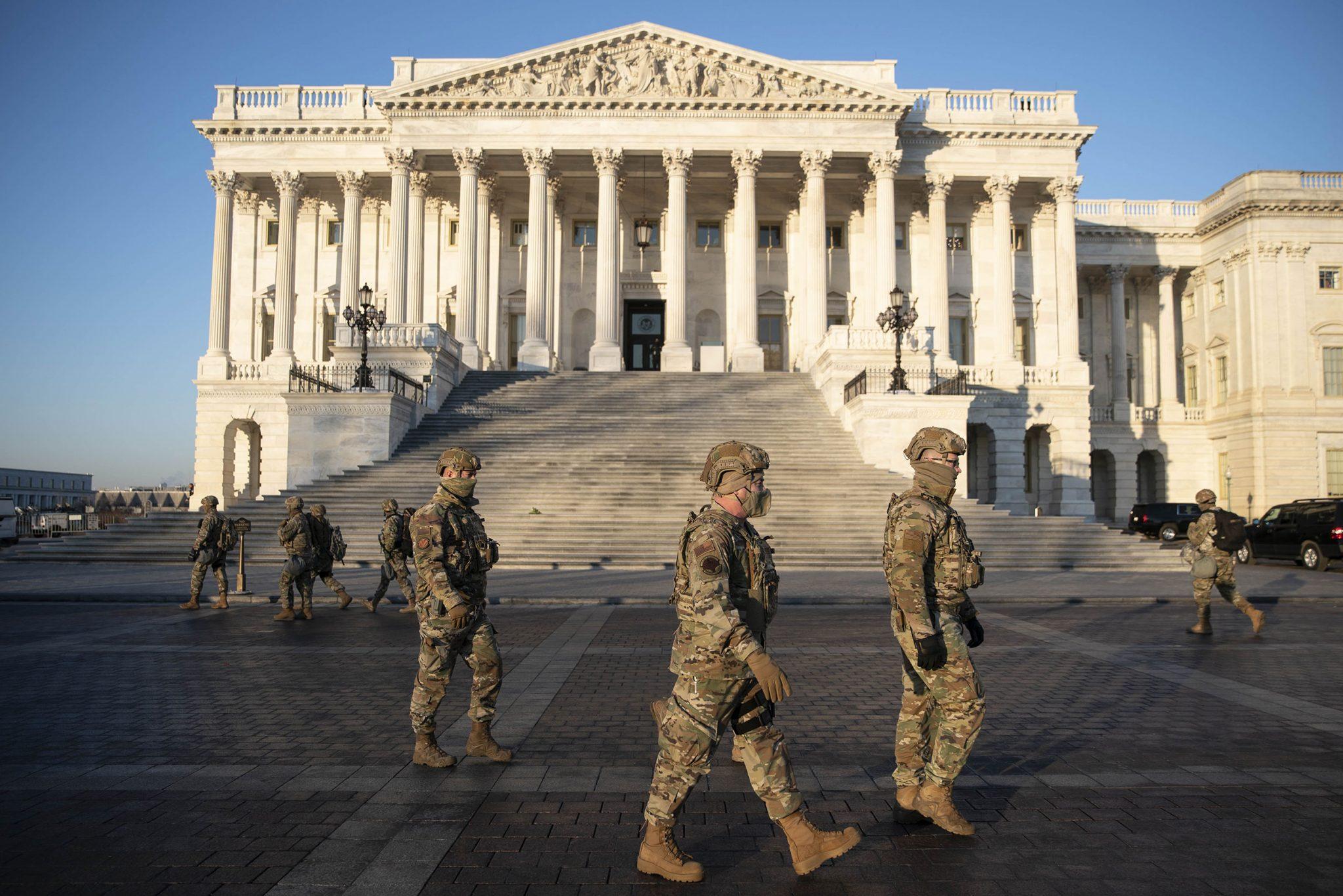 Debati për shkarkimin e Trump,ushtria rrethon Kongresin