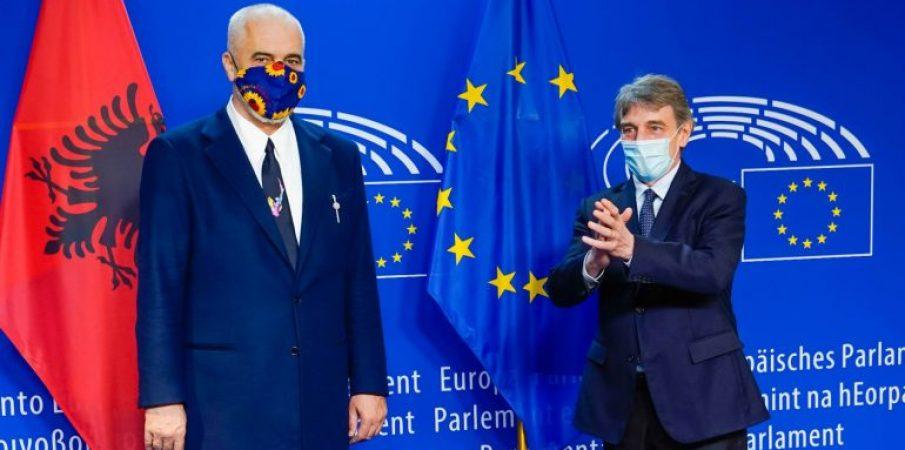 Davide Sassoli-Shqipëria po ecën drejt rrugës së pranimit në BE
